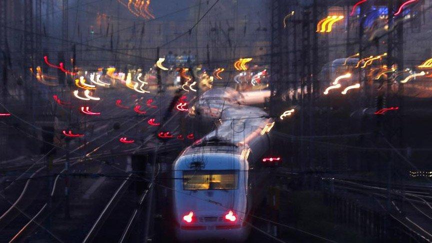 İtalya'dan kalkan tren Corona virüsü nedeniyle Avusturya'ya sokulmadı!