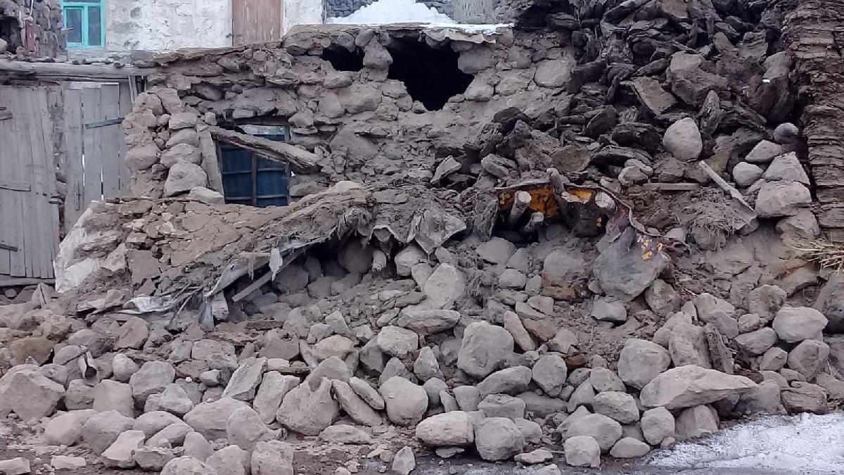 Türkiye-İran sınırında 5.9 büyüklüğünde deprem! (Son depremler)