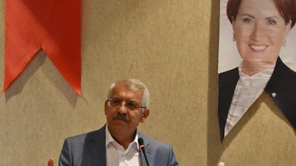 İYİ Partili vekilden Suriyeliler İdlib'e gönderilsin teklifi