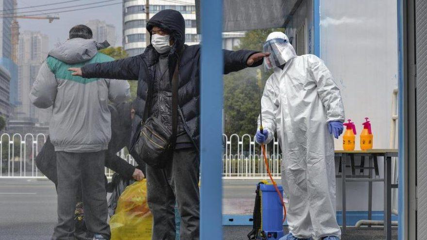 Corona virüsü bir ülkeye daha sıçradı: Ölü sayısı hızla artıyor