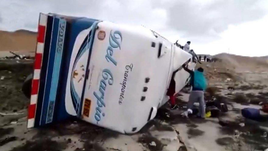Peru'da iki otobüs kafa kafaya çarpıştı: En az 12 ölü
