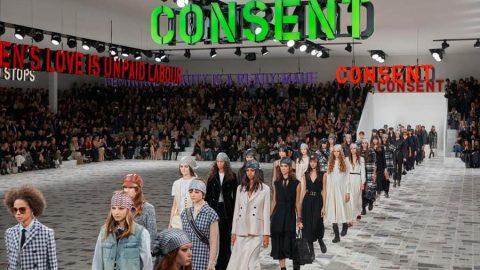 Dior 2020 defilesi gerçekleşti, feminist manifesto dikkat çekti