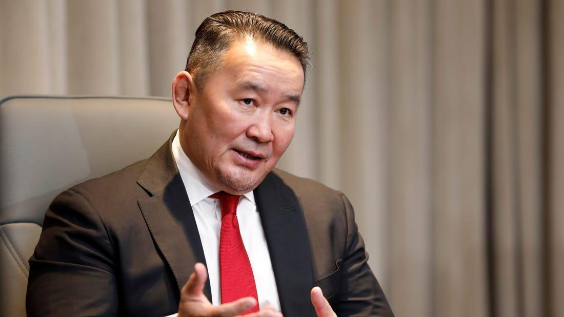 Corona krizi... Moğolistan Devlet Başkanı karantinaya alındı!