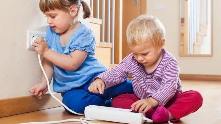 Bebekler için ev kazalarına karşı alınabilecek önlemler neler? Ev kazalarından korunma yolları…