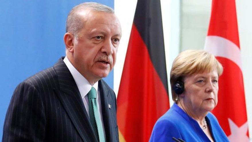 Erdoğan'la görüşen Merkel, İdlib saldırısını kınadı!