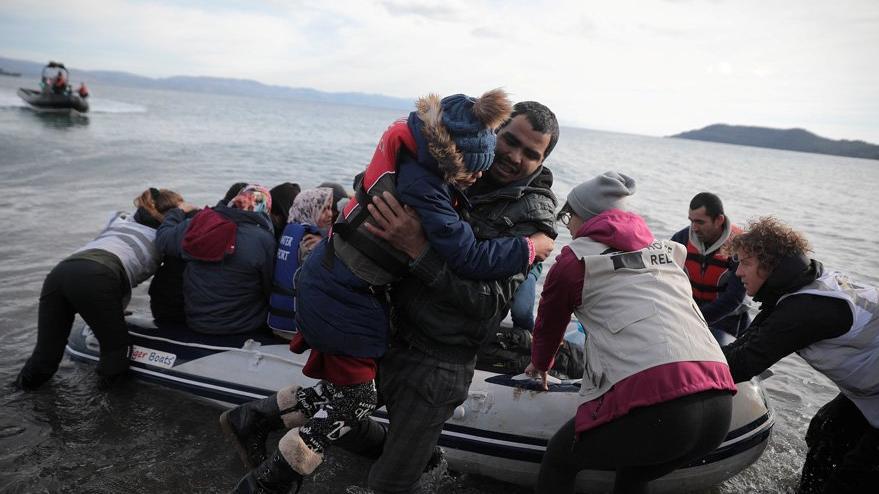 Türkiye'nin mülteci hamlesinden sonra Yunanistan ve Bulgaristan'dan ilk tepki