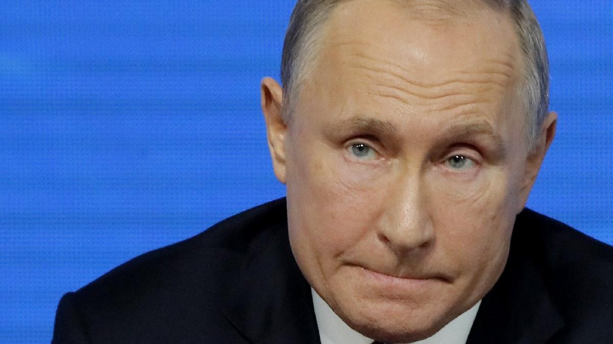Son dakika... Putin'den İdlib saldırısı açıklaması: Türk askerleri çıkmamalıydı