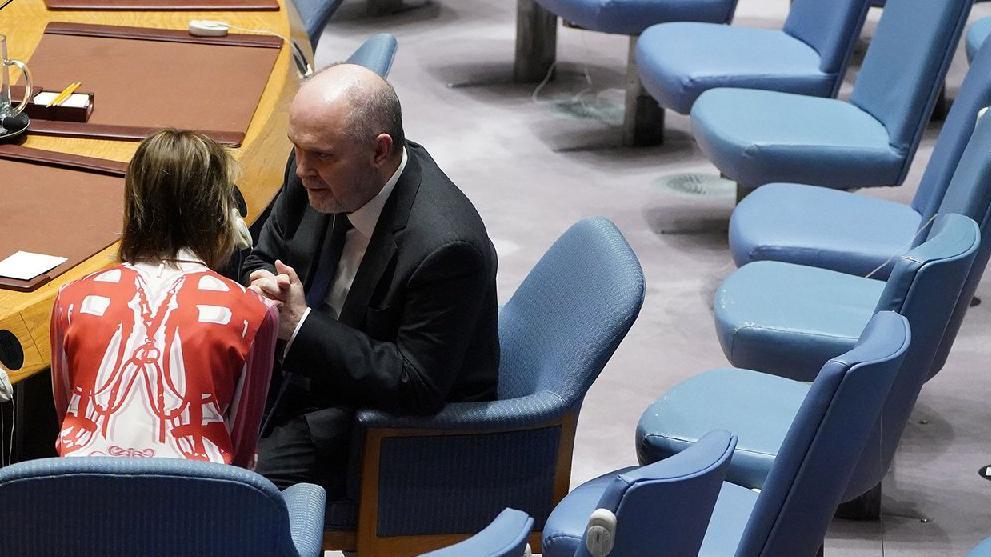 BM Güvenlik Konseyi'nde dikkat çeken görüntü! Sinirlioğlu ve Craft'tan baş başa görüşme!