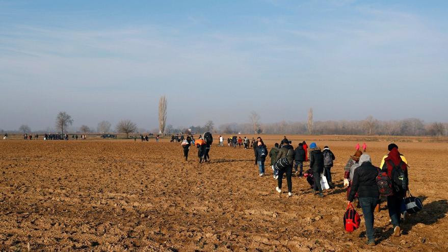 Yunanistan'dan skandal mesaj: Mültecileri telefonla uyarıyorlar
