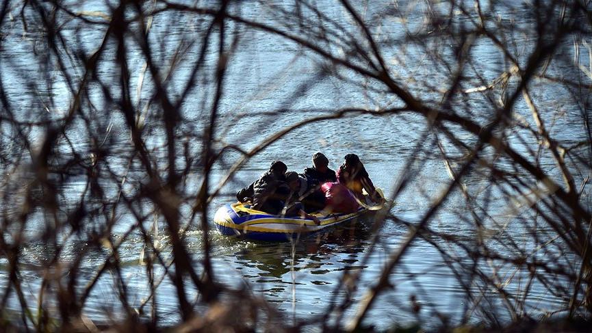 Yunan askerleri sınırdaki mültecilere ateş açtı!