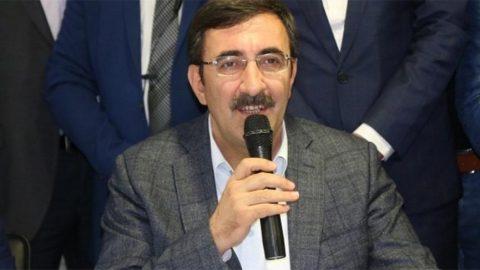 AKP'li Yılmaz: Mültecileri zorla göndermiyor, gidene de engel olmuyoruz