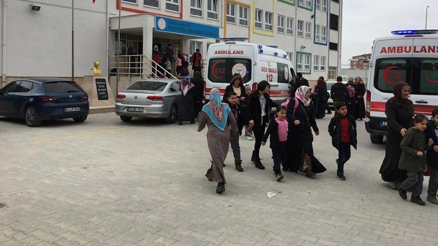 100 öğrenci gıda zehirlenmesi şüphesiyle hastanelere kaldırıldı