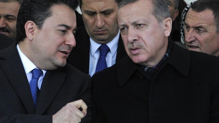 Babacan, isim vermeden Erdoğan'ı eleştirdi: Çevresinin ve ailesinin verdiği kararlarla...