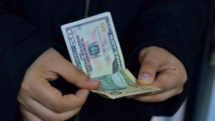 Dolar ne kadar oldu? Faizde indirimle birlikte dolar düşüşte!