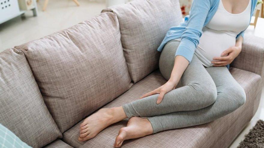 Hamilelikte bacak ağrısı neden olur? Gebelikte bacak ağrısı ve uyuşması tedavisi…