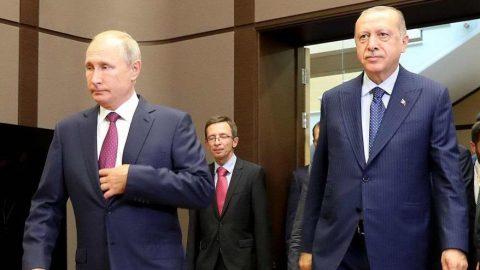 Kremlin masasında bıçak sırtı diplomasi
