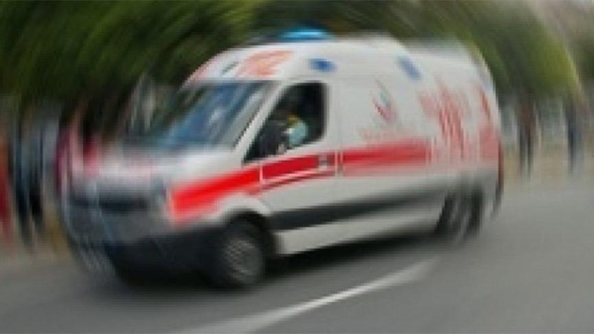 Freni boşalan kamyonet okul bahçesine uçtu! Yaralılar var