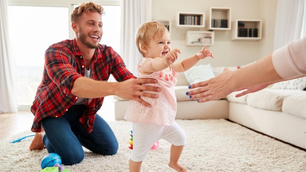 Bebeklerde yürüme korkusu nasıl anlaşılır? Bebeklerde yürüme belirtileri nelerdir?