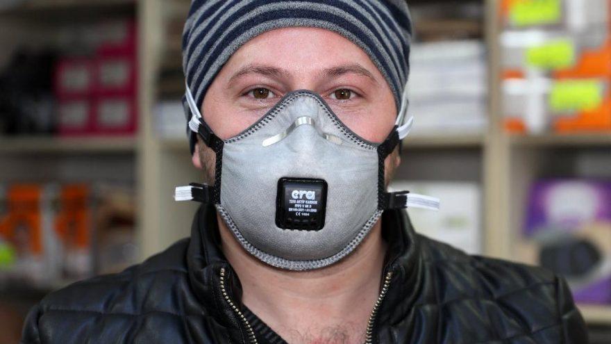 Korona virüs maskeleri yok sattı, numune bile kalmadı