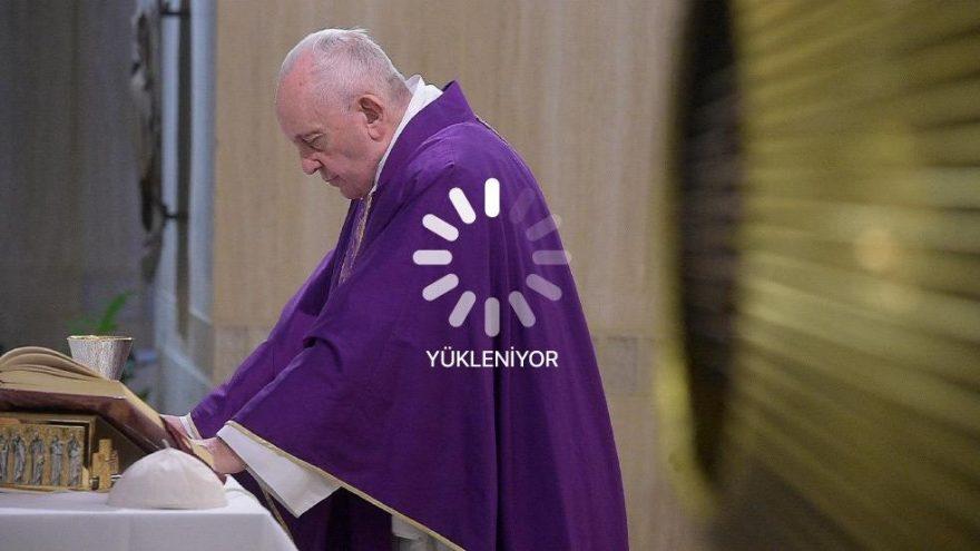 Vatikan duyurdu! Papa'dan 'online' pazar ayini