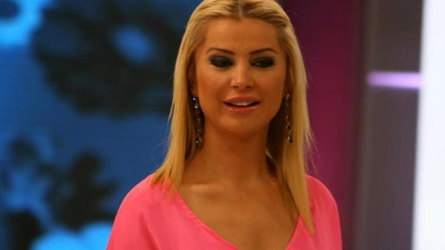 Şarkıcı Songül Karlı hastaneye kaldırıldı