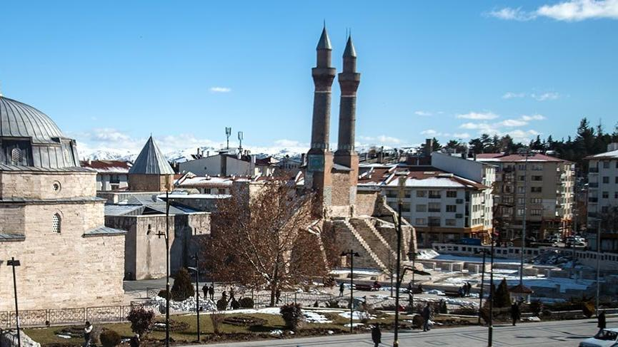 Anadolu'nun en abidevi medreselerinden Sivas Çifte Minareli Medrese