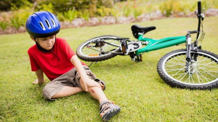 Düşen çocuğa ilk müdahale nasıl olmalı? Çocuk düşerse ne yapmalı?