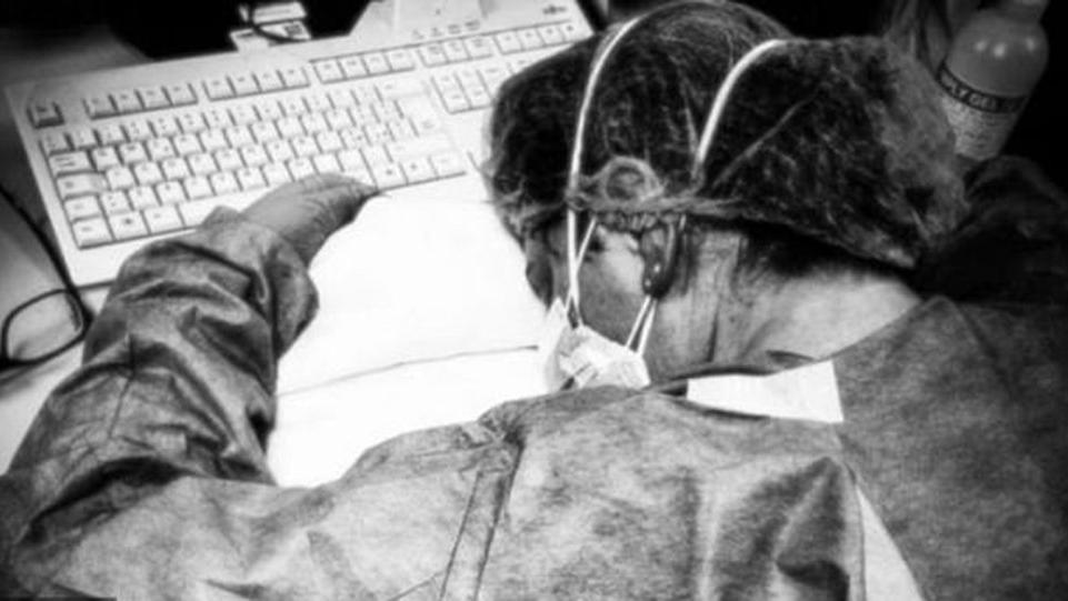 Corona virüsüyle savaşan sağlık çalışanları anlattı: Düşmanı tanımadığımız bir savaş