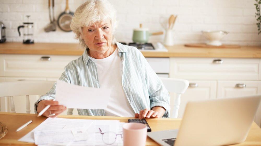 Ev hanımlarına emeklilik şartları nelerdir? Evde el sanatları ile uğraşan kadınların sigortalılığı nasıl oluyor? İşte başvuru detayları