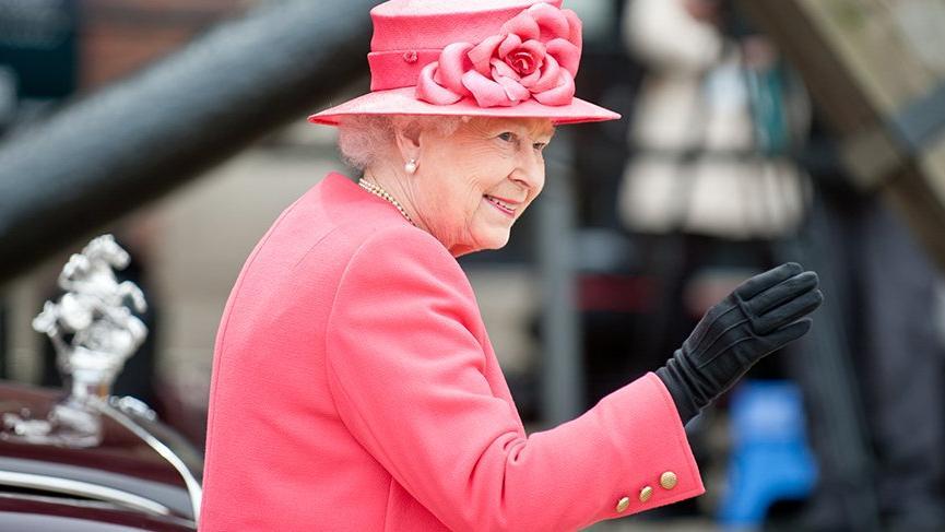 Kraliçe Elizabeth korona virüs korkusuyla Buckingham Sarayı'nı terk etti