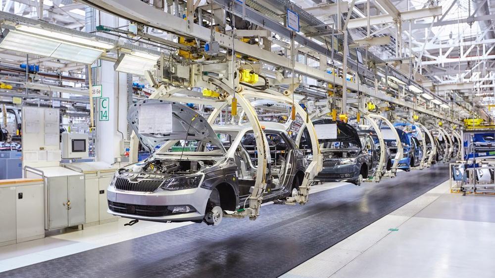 Avrupa'daki otomotiv üretimi neredeyse durdu!