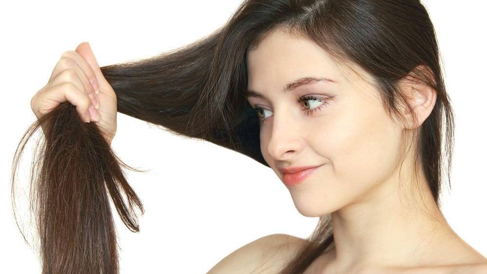 Kuru saç uçları nasıl nemlendirilir? Nemlendirici maske tarifleri...