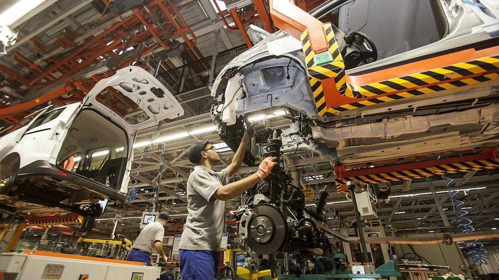 Avrupa'da tüm fabrikaları kapanırken, Türkiye'de üretimi ilk durduran Ford oluyor