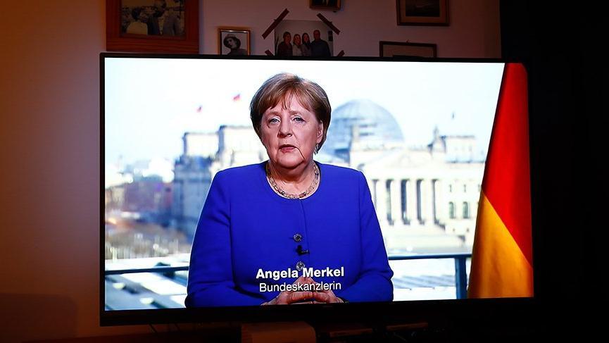 Merkel'den aşı açıklaması: Zaman kazanmak zorundayız
