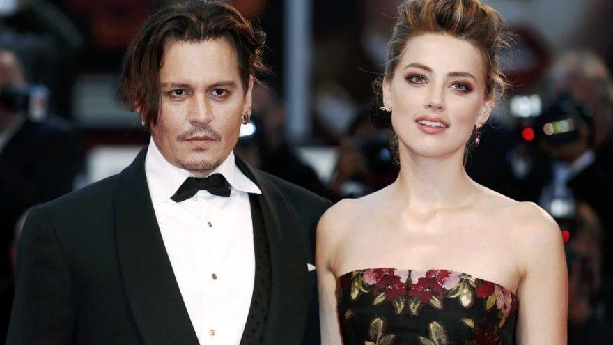 Johnny Depp parmağını kendisi kesmiş