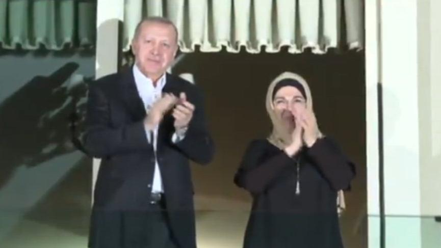 Erdoğan da sağlık çalışanlarına destek alkışı verdi!