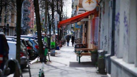 Almanya'da insanlar sokakta yan yana dolaşamayacak!