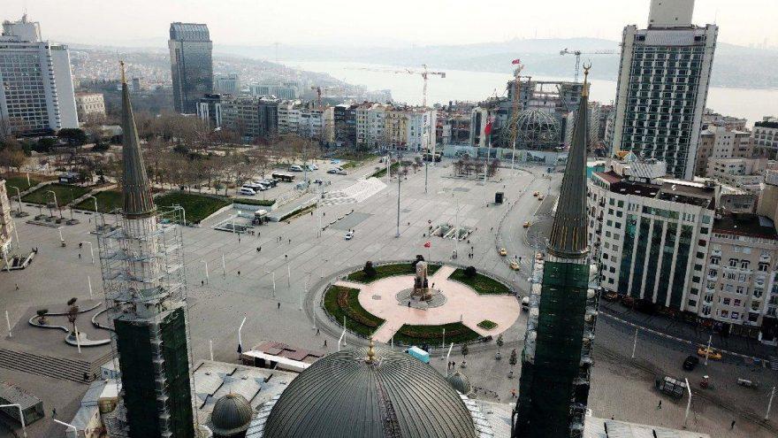 İstiklal Caddesi dezenfekte edildi