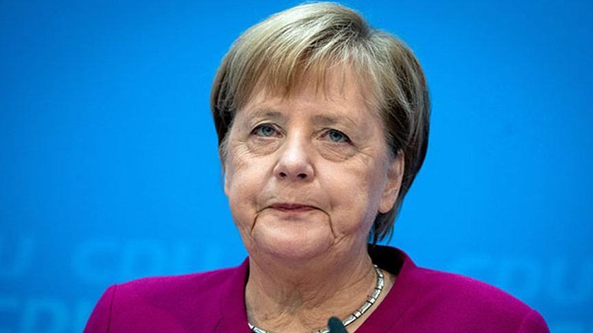 Angela Merkel karantinada!