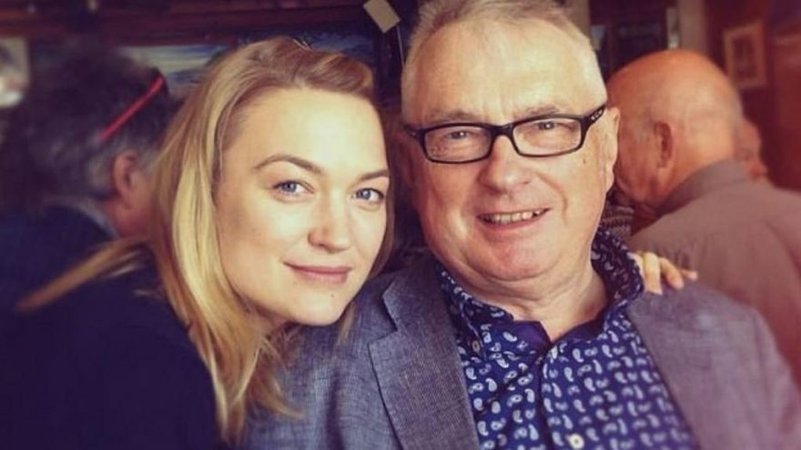 İngiliz aktris duyurdu: Babamı corona virüsü öldürdü
