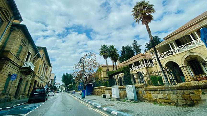 Güney Kıbrıs'ta kısmi sokağa çıkma yasağı ilan edildi
