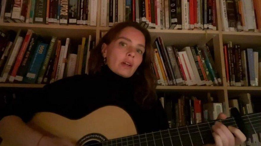 Nil Karaibrahimgil, karantina şarkısı yazdı