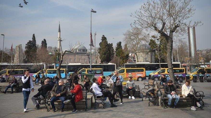 Sokağa çıkamayanlar alışverişi nasıl yapacak? 65 yaş ve üstü sokağa çıkma cezası kaç lira?