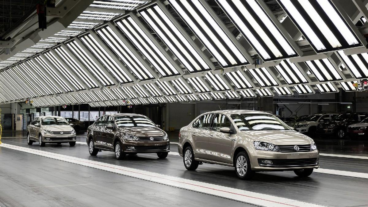 Volkswagen şimdi de Rusya'da üretime ara veriyor!