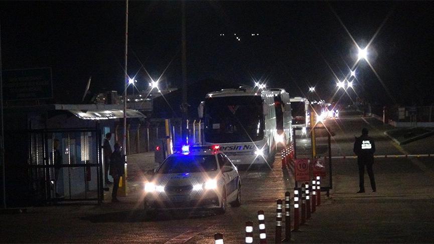 Gemiler limana yanaştı! 459 kişi karantinaya alındı
