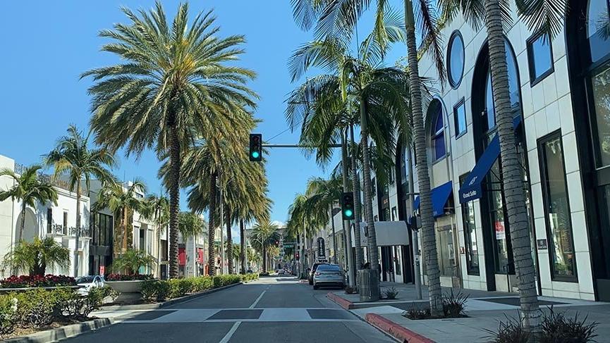 Los Angeles'ın renkli sokakları corona virüsü salgını nedeniyle ıssız kaldı