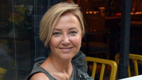 Berna Laçin: Dolaşmam lazım diyenlere, evde kal dedirtmişler
