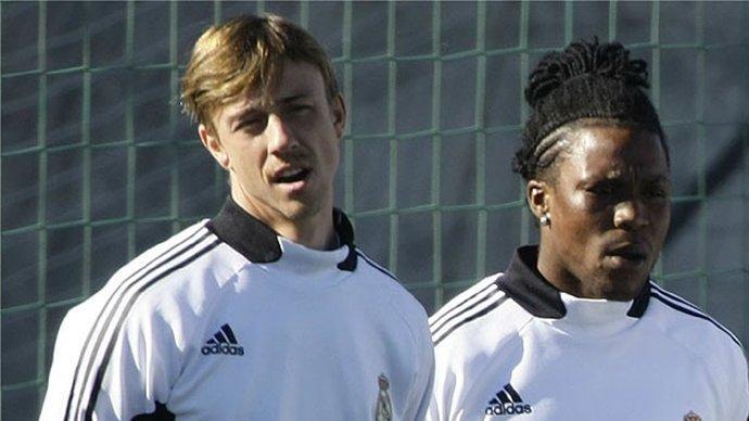Hollandalı futbolcu Drenthe'den dizi sürprizi