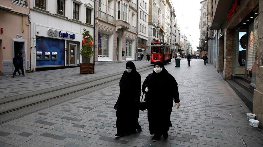 Reuters'tan corona virüsü günlerinde Türkiye analizi: Bıçak sırtında
