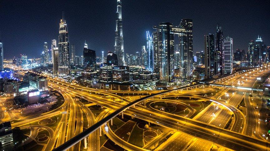Birleşik Arap Emirlikleri'nde sokaklar bomboş!